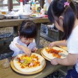 子供が楽しくお手伝い!キャンプの簡単レシピで親子の絆を深めよう☆