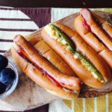キャンプの朝ごはんはホットドッグがおすすめ♪【おいしく作るコツとレシピ3選を紹介するよ!】
