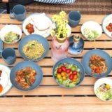 素材で選ぶ!キャンプ用食器セット7選!